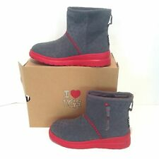 NWT Ugg Heart Uggs Kiss Suede Mini Grey & Red Boots Youth 4.5 - 5 Ladies 6.5 - 7