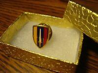U.S. ARMY: Vintage U.S. Forces VIETNAM design Gold Tone Lapel Pin w/clutch + Box