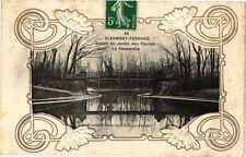 CPA  Clermont - Ferrand -Bassin du Jardin des Plantes - La Passerelle   (221775)