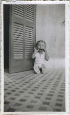 PHOTO ANCIENNE - VINTAGE SNAPSHOT - ENFANT MUSIQUE HARMONICA CADRAGE DRÔLE-MUSIC