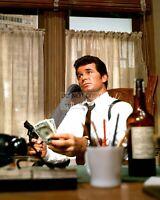 "JAMES GARNER IN THE 1969 FILM ""MARLOWE"" - 8X10 PUBLICITY PHOTO (DD-006)"