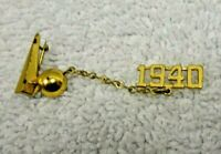 1939 New York World's Fair Emblem Gold-Colored Chain 1940 Pin