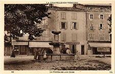 CPA  La Chapelle-en-Vercors - La Fontaine aux Ours    (350365)