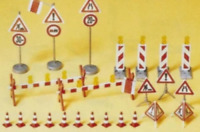 Preiser 17176 HO/OO Gauge Road Safety Signs and Accessories Kit