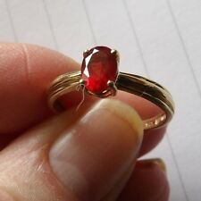 GORGEOUS 9 CARAT YELLOW GOLD & HESSONITE GARNET SOLITAIRE RING SIZE Q WNG96
