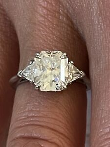 Tiffany & Co. Lucida Diamond Engagement Ring with 2.31 cts. GVVS2 Platinum Ring