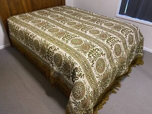 AMAZING! Vintage 1970s Quilt,Throw,Blanket,Rug,Bedspread RAYON  Gold/Green RETRO