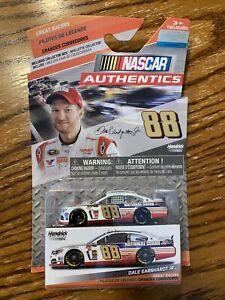 #88 DALE EARNHARDT JR -NATIONAL GUARD CHEVROLET SS - GREAT RACERS 1:64 CAR W BOX