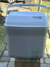 Rubbermaid Traveling Cooler Model 1821 Tall / 16 Quart Cooler