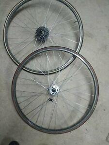 Paire de Roues Mavic 700 MA40 pour vélo route vintage