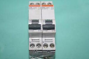 lot de 2 Disjoncteurs dt40 10A merlin gerin 21024