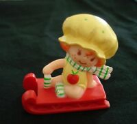 Vintage 1982 Miniature Apple Dumplin Red Sled Strawberry Shortcake PVC Kenner