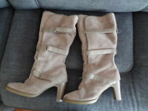 NEW! UK Size 6 Eu39 *SHELLY* Cosy & smart natural suede leather boots heels