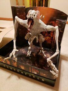 Hasbro Cloverfield Action Figure RARE!! ORIGINAL DISPLAY BOX 2 HEADS & 10 SPAWN