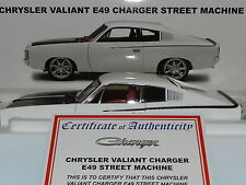 Biante 1/18 Chrysler Valiant Charger E49 Street Machine White MiB