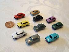 10 bunte Mini Trabant Trabbi Trabi 2cm groß Modellauto Modell Auto DDR Kult
