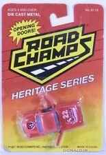 Road Champs '57 Chevrolet Corvette White & Red #22 Sting 1957 Chevy 'Vette 1/64