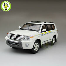 1:18 Scale Toyota Land Cruiser LC200 Diecast SUV Car Model White