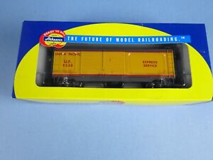Athearn RTR 70888 HO 40' Double Door Express Car Union Pacific-Yellow #9228