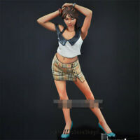 1/24 Fashion Girl Resin Kits Unpainted Figure Model GK Unassembled