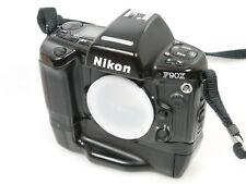 Nikon f90x + mb-10 mb10 + vattene. ho potuto finora n. separare ans. funzionante