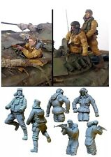 1/35 Scale Resin Model Figures kit Modern Russian Soldiers Tank Crew (3 figures)