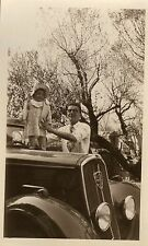 PHOTO ANCIENNE - VINTAGE SNAPSHOT - VOITURE PEUGEOT 201 ENFANT CAPOT - CAR CHILD
