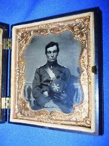 Antique GREAT CIVIL WAR TINTYPE IMAGE 7 ARTILLERY OFFICER GUTTA PERCHA CASE
