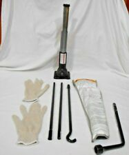 2007 - 2018 TOYOTA TACOMA  FACTORY JACK SET WITH BAG & TOOLS GREAT CONDITION