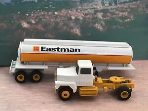 Winross 1/64 1992 Eastman Kenworth T800 Vertical Brush Tanker