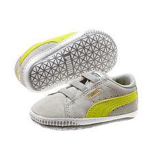 Baskets gris pour bébé