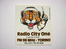 VECCHIO ADESIVO RADIO / Old Sticker _ RADIO CITY ONE TORINO TIGRE (cm 9 x 10)