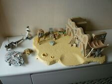 Star Wars Miniature Playset with Millennium Falcon and Figure