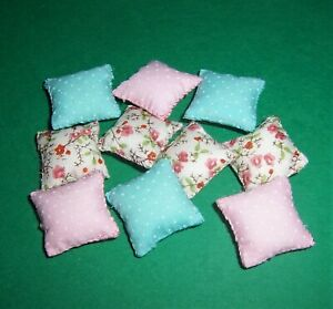 VINTAGE DOLLS HOUSE SCATTER CUSHIONS 16th LUNDBY SCALE