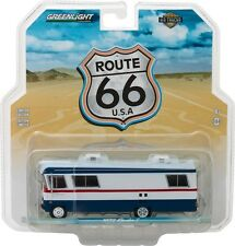 1972 CONDOR II RV RED, WHITE AND BLUE HD TRUCKS SERIES 9 1/64 GREENLIGHT 33090 A