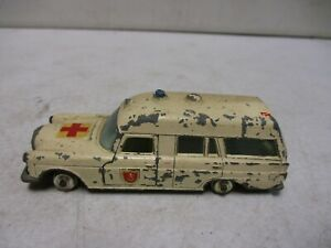 Matchbox King Size Mercedes Benz Binz Ambulance K-6