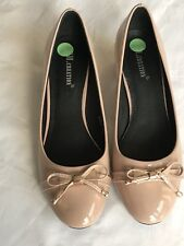 Nude Low Heel Ladies Shoes With Bow Detail Size 40