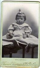 Marius Marnas & Dufour portrait un enfant prend la pose sur un siège CDV photo