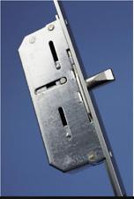 Winkhaus Mehrfachverriegelung STV -F 1607 Dorn 65mm  92mm Entfernung  B2 Neuware