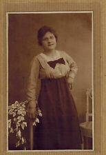 Carte Photo vintage card RPPC De Geyter Hoboken femme robe lunettes noeud ph0223