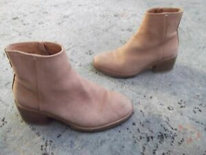 Clarks womens zip heel booties pink leather Sz. 6.5 M