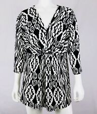 AVENUE Women's Pullover Top Size 10/12 Black White V-Neck 3/4 Sleeves Stretch