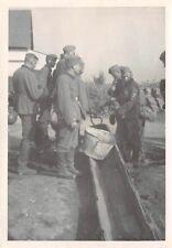 Wehrmacht am Wasserpumpe Erkelenz