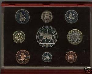 BOXED ROYAL MINT 2002 DELUXE RED PROOF SET OF 9 COINS WITH CERTIFICATE