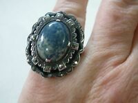 LOVELY VINTAGE ART DECO STERLING SILVER MARCASITE & BLUE STONE CABOCHON RING