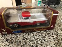 Yat Ming Road Legends Ford 1957 Ranchero Red White Diecast Metal 1:18 #92208