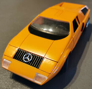 Schuco 5508 Mercedes C111 orange