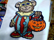 TRICK OR TREAT BEAR PATTERN IN 7 MESH PLASTIC CANVAS