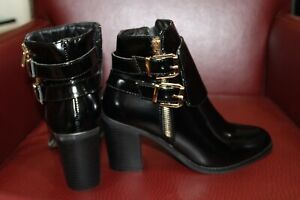 Koi Couture Ladies Black Boots 2 Gold Buckle Gold Zip Brand New In Box