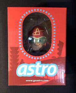 Astro Vinyl Figure by Ragnar x 3DRetro Art Toy (Medicom Bearbrick KAWS)